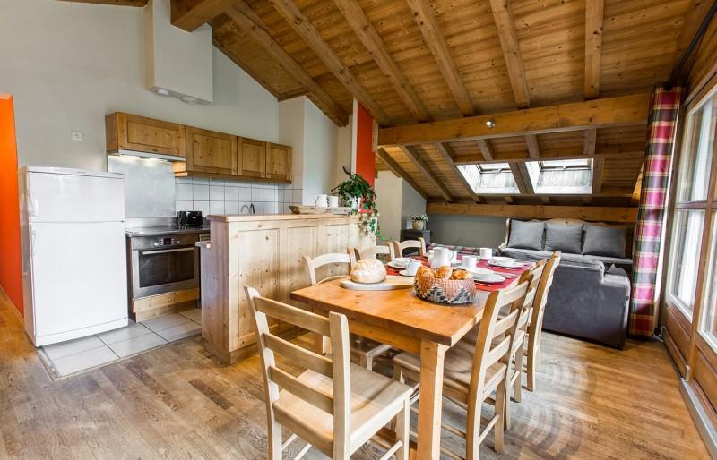 Chaumiere-5-5pieces-8personnes-cuisine-location-appartement-chalet-Les-Gets