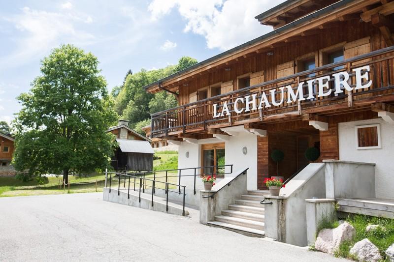 Chaumiere-5-5pieces-8personnes-exterieur-ete-location-appartement-chalet-Les-Gets