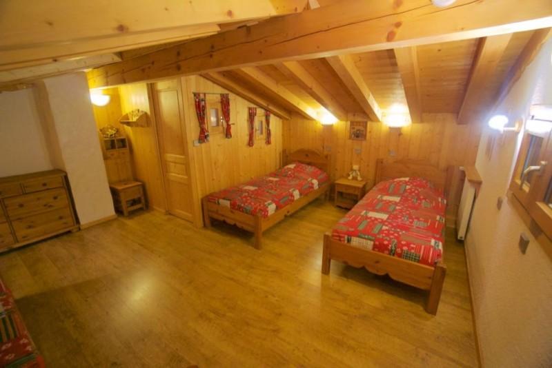 Chez-Rose-chambre-lits-simples1-location-appartement-chalet-Les-Gets
