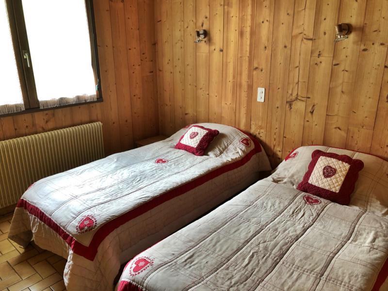 Clos-1-chambre-lits-simples2-location-appartement-chalet-Les-Gets