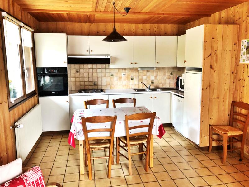 Clos-1-cuisine1-location-appartement-chalet-Les-Gets
