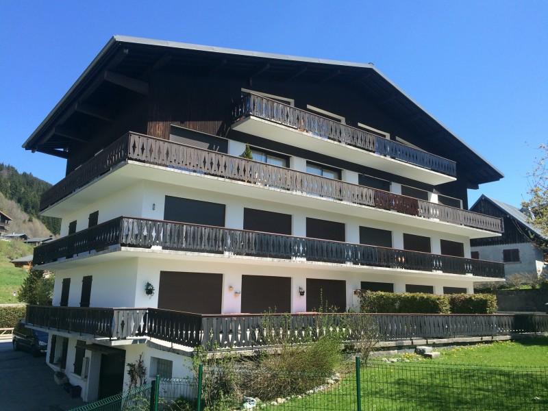 Clos-fleuri-11-exterieur-ete-location-appartement-chalet-Les-Gets