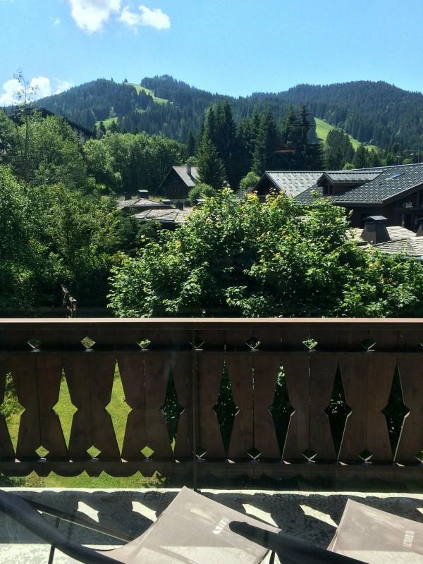 Clos-fleuri-11-vue-balcon-location-appartement-chalet-Les-Gets