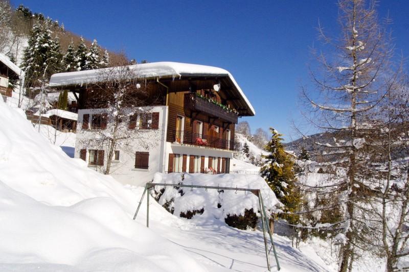 Corzolet-3-Ancolie-exterieur-hiver-location-appartement-chalet-Les-Gets