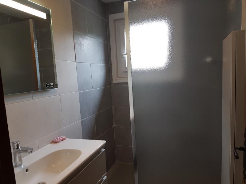 corzolet-campanules-salle-de-bain-964801
