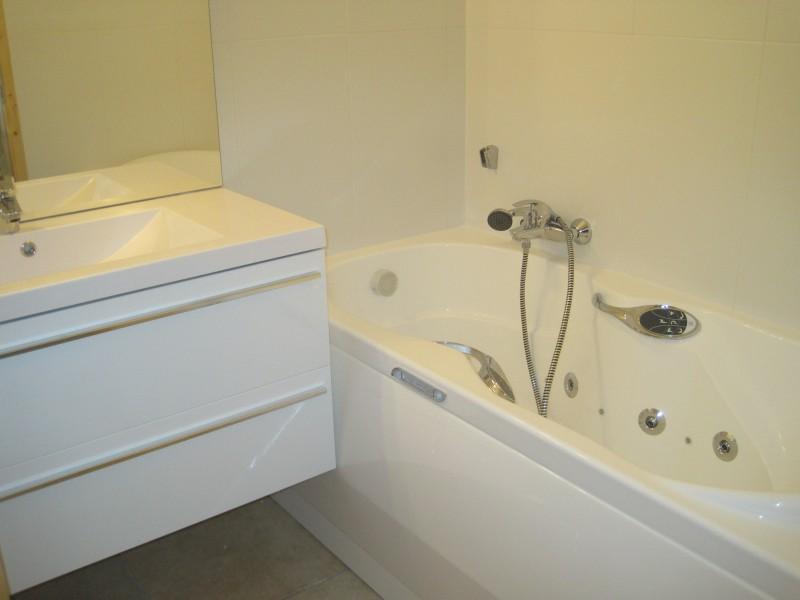 Cristal-2-salle-de-bain-location-appartement-chalet-Les-Gets