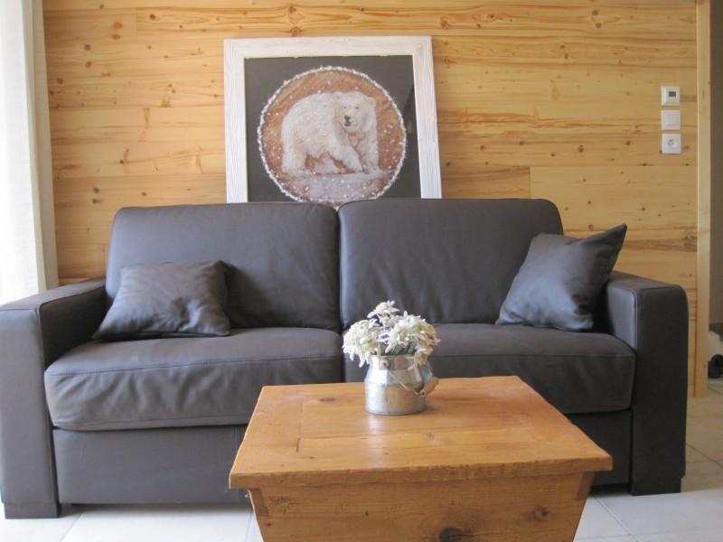 Cristal-2-salon-canape-location-appartement-chalet-Les-Gets