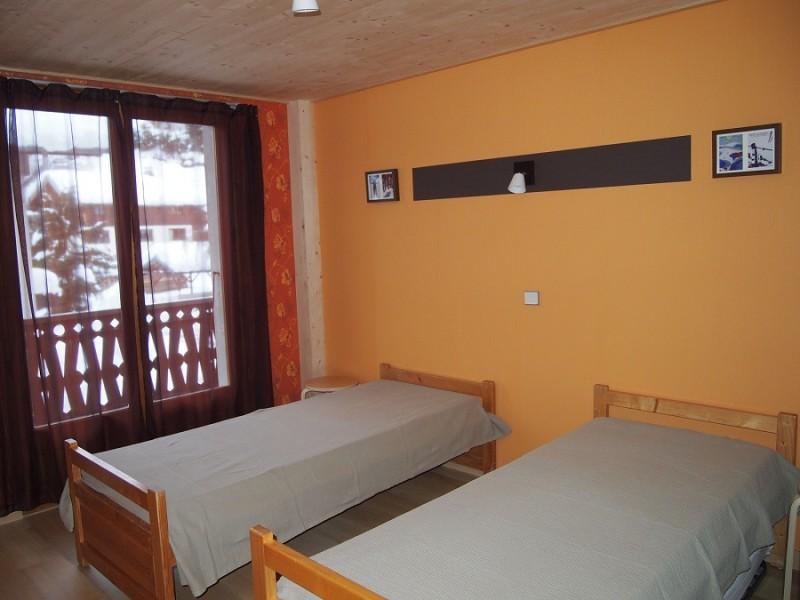 Croisette-2-chambre-lits-simples-location-appartement-chalet-Les-Gets