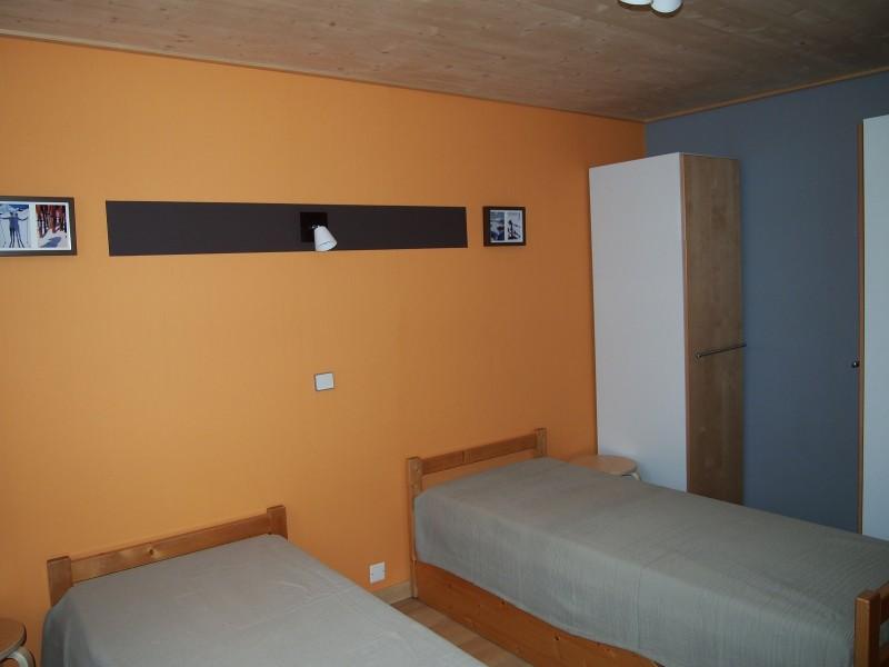 Croisette-2-chambre-lits-simples2-location-appartement-chalet-Les-Gets