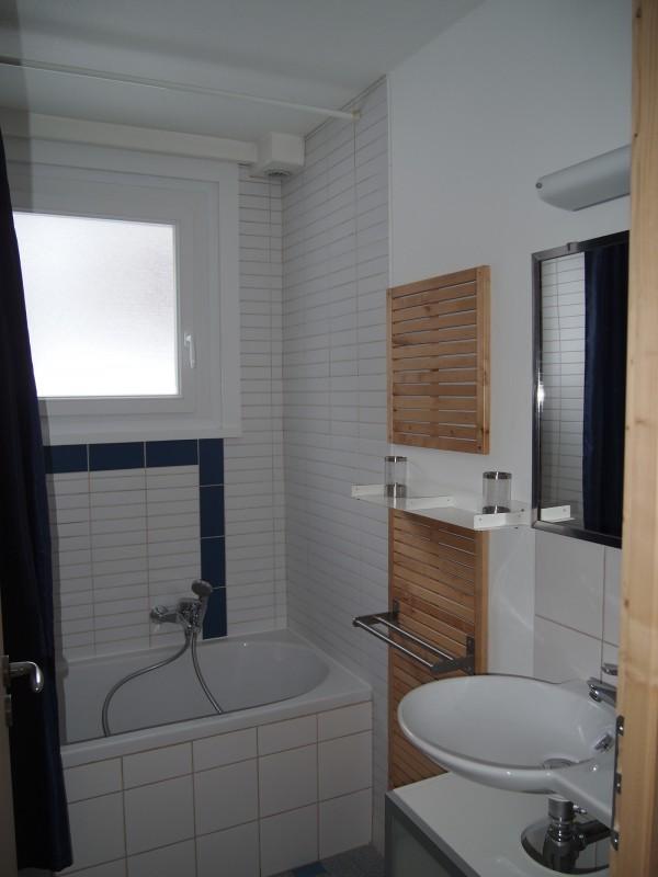Croisette-2-salle-de-bain-location-appartement-chalet-Les-Gets