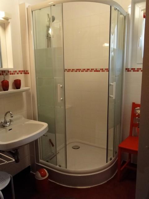 Eau-Vive-2-salle-de-bain1-location-appartement-chalet-Les-Gets