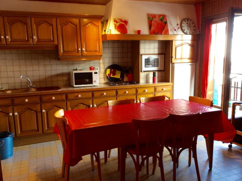Eau-Vive-7-cuisine-location-appartement-chalet-Les-Gets