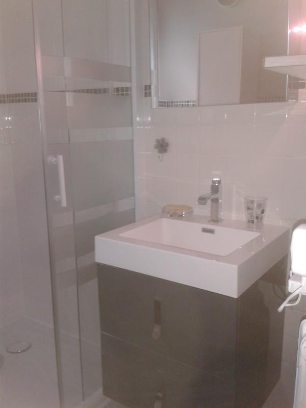 Eau-Vive-8-salle-de-bain-location-appartement-chalet-Les-Gets