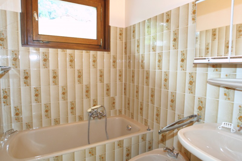 Escapade-2-Mont-Chery-salle-de-bain-location-appartement-chalet-Les-Gets