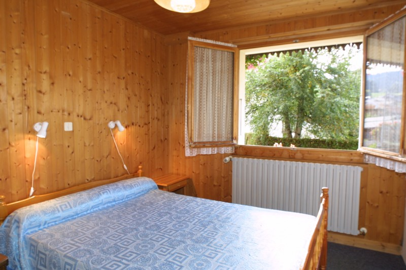 Fauvettes-1-Ranfolly-chambre-lit-double1-location-appartement-chalet-Les-Gets