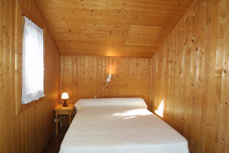 Fauvettes-2-Mont-Caly-chambre-double1-location-appartement-chalet-Les-Gets