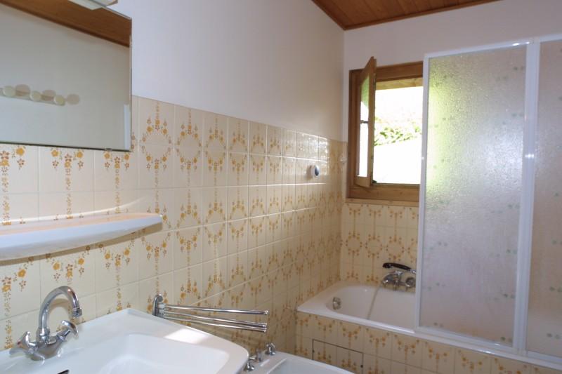 Fauvettes-2-Mont-Caly-salle-de-bain-location-appartement-chalet-Les-Gets