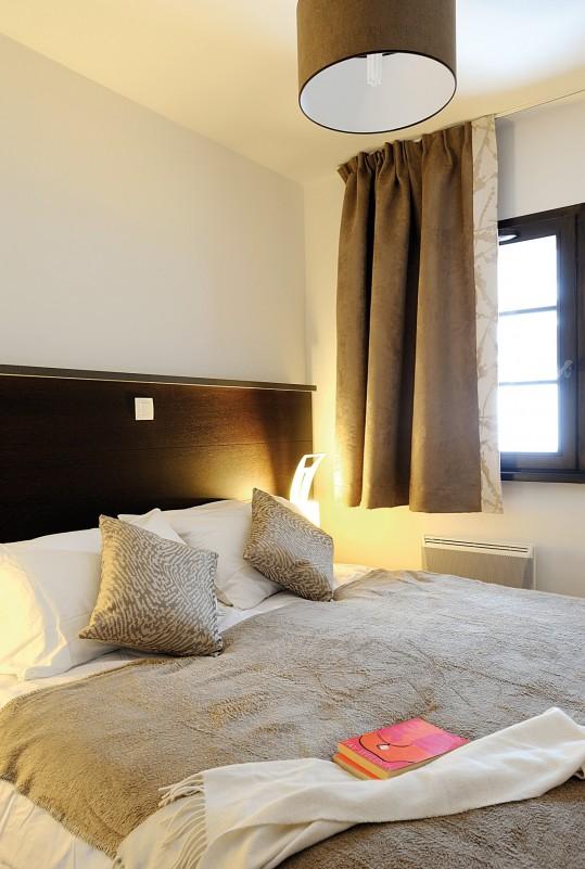 Fermes-d-Emiguy-3-pieces-alcove-8-personnes-chambre-double-location-appartement-chalet-Les-Gets