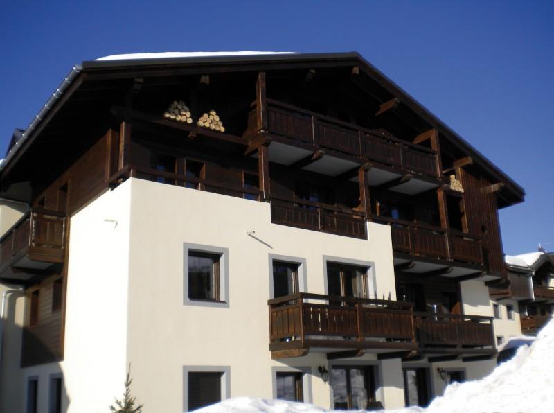 Fermes-d-Emiguy-3-pieces-alcove-8-personnes-exterieur-hiver5-location-appartement-chalet-Les-Gets