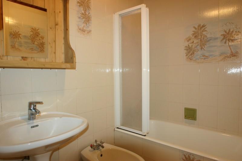 Flambee-salle-de-bain-location-appartement-chalet-Les-Gets