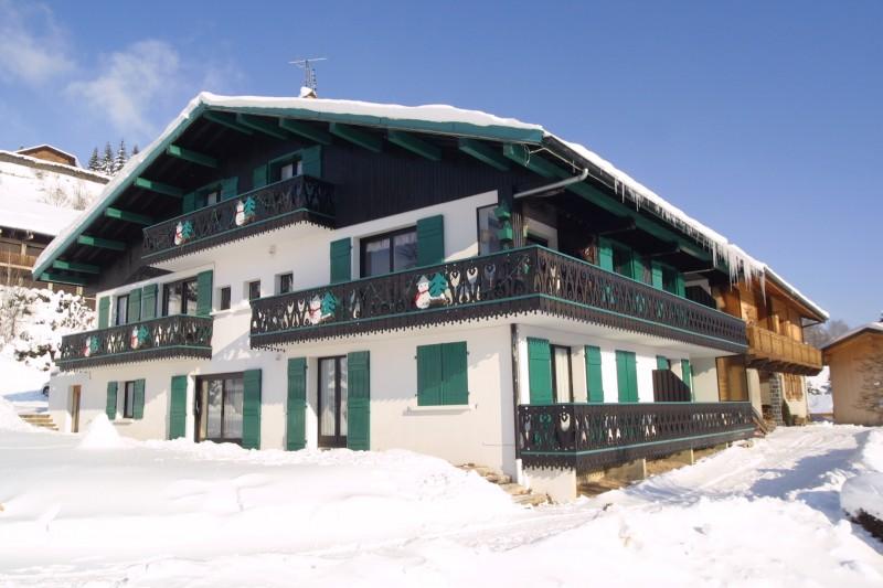 Fleur-des-Alpes-1-Arnica-exterieur-hiver-location-appartement-chalet-Les-Gets