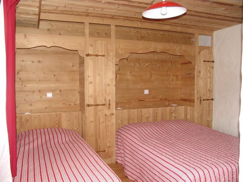 Fleur-des-Alpes-2-Ancolie-chambre-location-appartement-chalet-Les-Gets