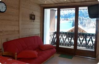 Fleur-des-Alpes-5-Lys-Martagon-salon-location-appartement-chalet-Les-Gets