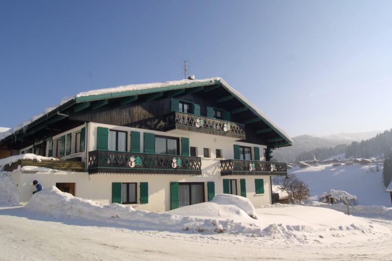 Fleur-des-Alpes-6-Gentiane-exterieur-hiver2-location-appartement-chalet-Les-Gets