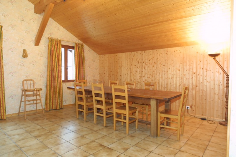 Forge-E-salle-a-manger-location-appartement-chalet-Les-Gets