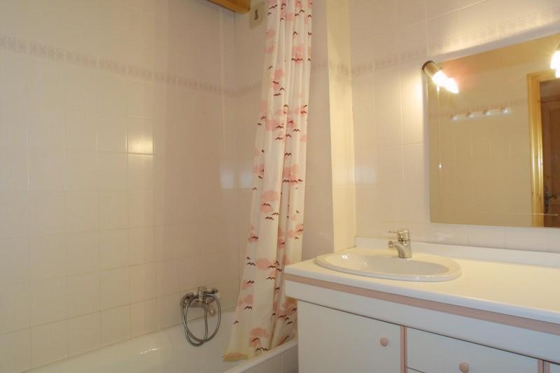 Forge-E-salle-de-bain-location-appartement-chalet-Les-Gets
