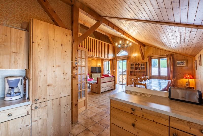 Forge-F-cuisine-sejour-location-appartement-chalet-Les-Gets