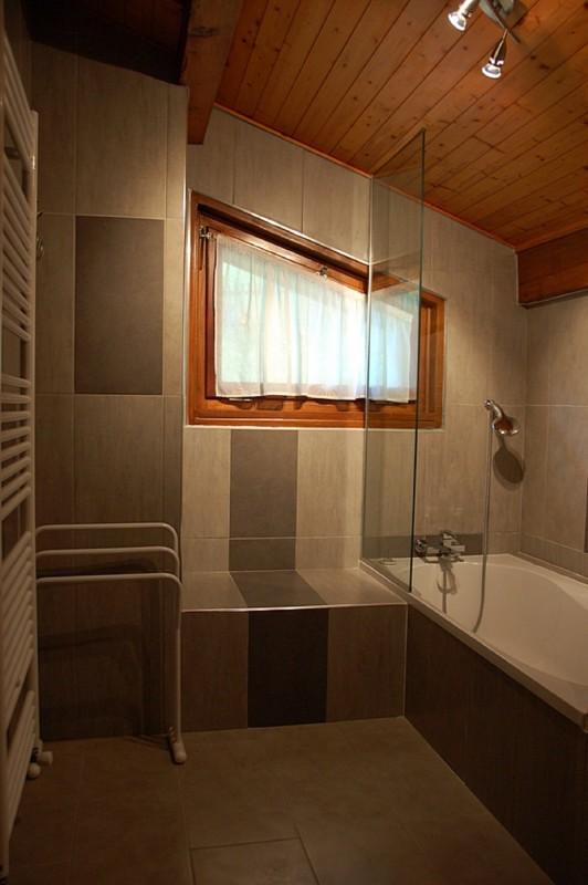 Frachettes-1-salle-de-bain-location-appartement-chalet-Les-Gets