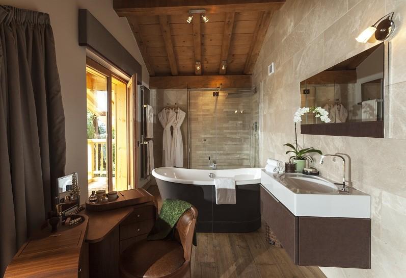 grande-corniche-master-bathroom-246639