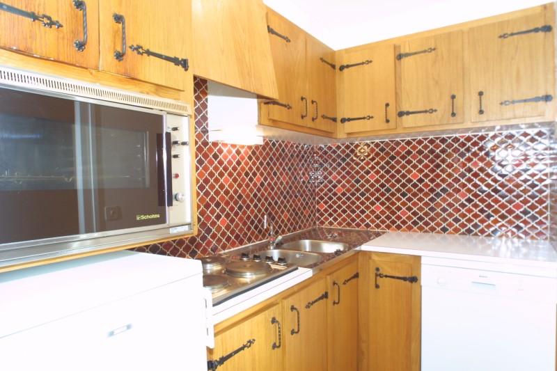 helios003-int-kitchenette-jpg-3899736