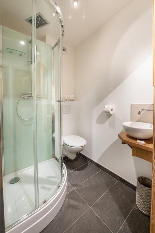 K2-12-salle-de-bain-location-appartement-chalet-Les-Gets