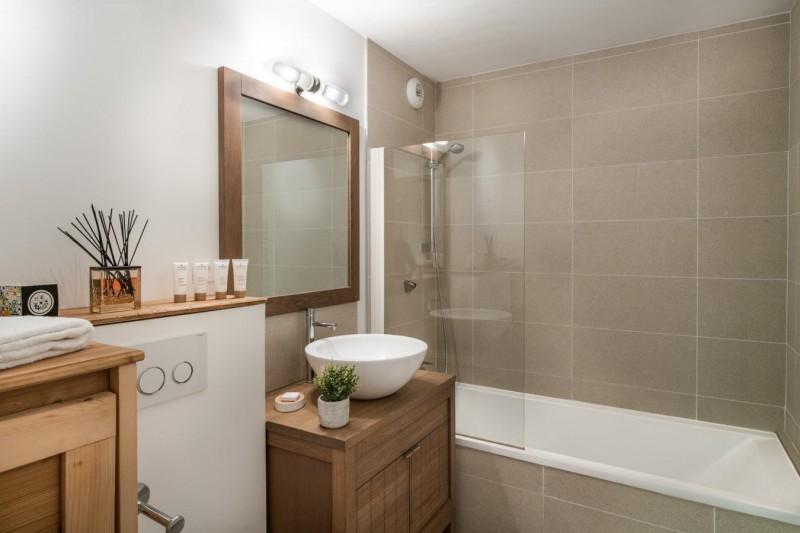 K2-14-salle-de-bain-location-appartement-chalet-Les-Gets