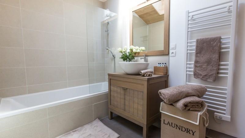 K2-22-salle-de-bain-location-appartement-chalet-Les-Gets