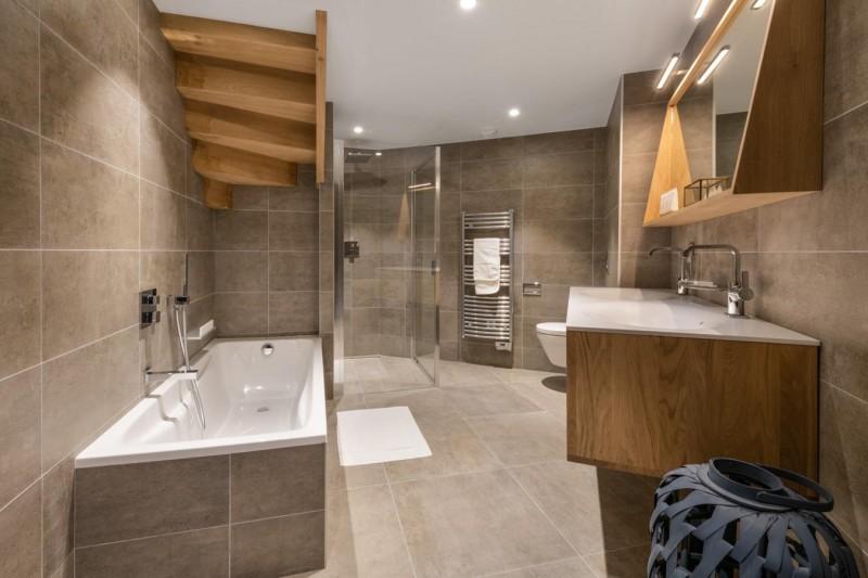 Kinabalu-16-salle-de-bain-location-appartement-chalet-Les-Gets