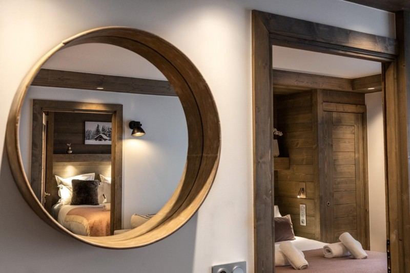 Kinabalu-18-chambre-decoration-miroir-location-appartement-chalet-Les-Gets