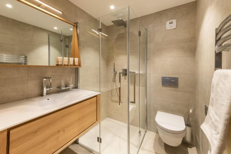 Kinabalu-2-salle-de-bain4-location-appartement-chalet-Les-Gets