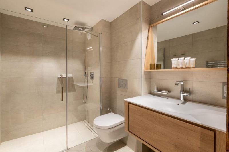 Kinabalu-26-salle-de-bain2-location-appartement-chalet-Les-Gets
