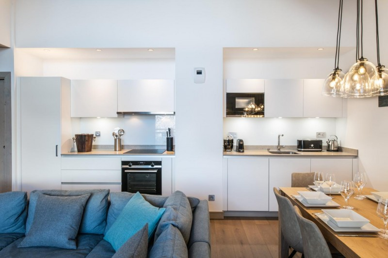 Kinabalu-32-sejour-cuisine-location-appartement-chalet-Les-Gets