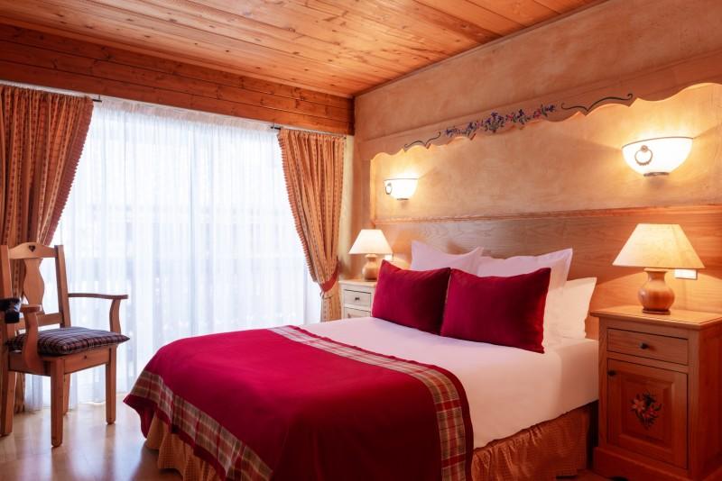 Labrador-3-pieces-4-6-personnes-chambre-lit-double-location-appartement-chalet-Les-Gets
