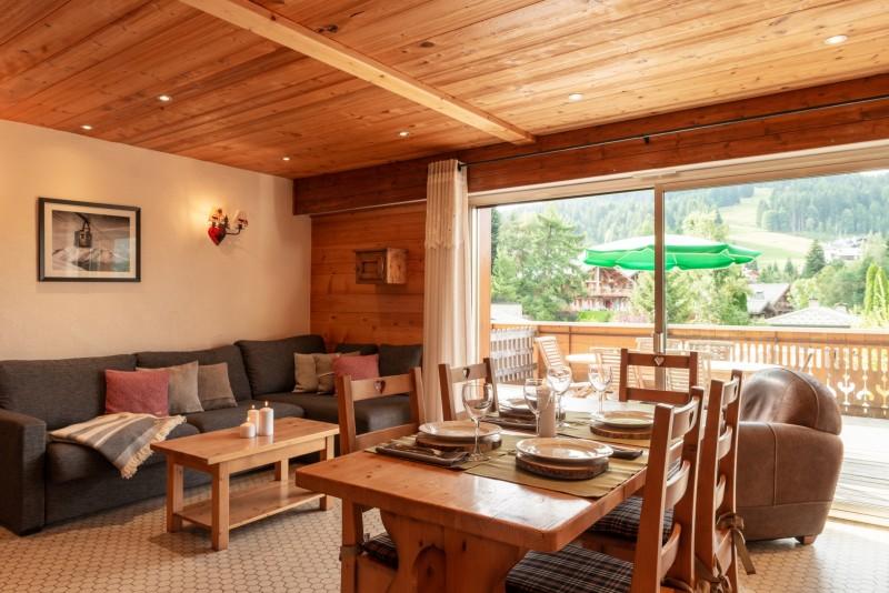Labrador-3-pieces-4-6-personnes-salle-a-manger-location-appartement-chalet-Les-Gets
