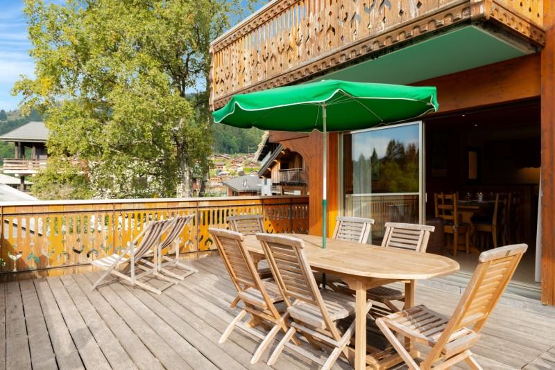 Labrador-3-pieces-4-6-personnes-terrasse-location-appartement-chalet-Les-Gets