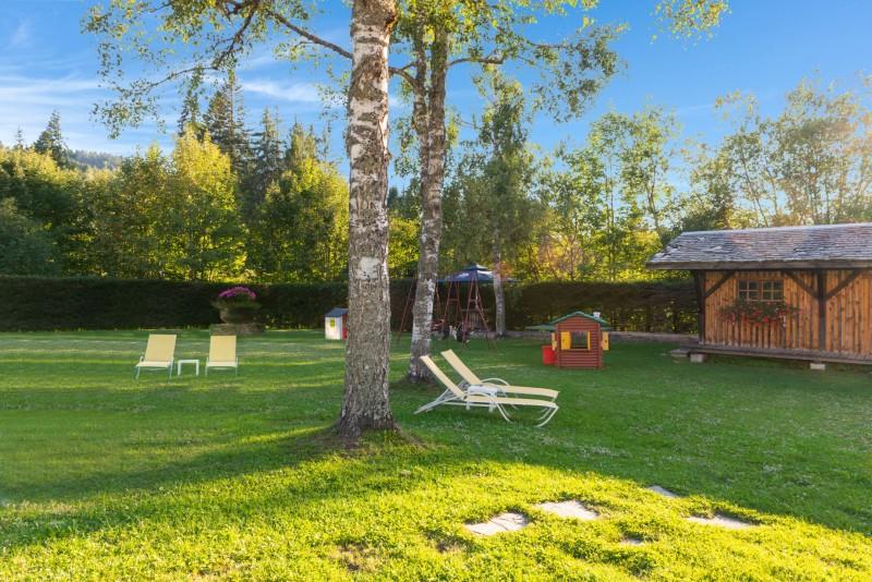 Labrador-3-pieces-mezzanine-6-personnes-jardin-location-appartement-chalet-Les-Gets