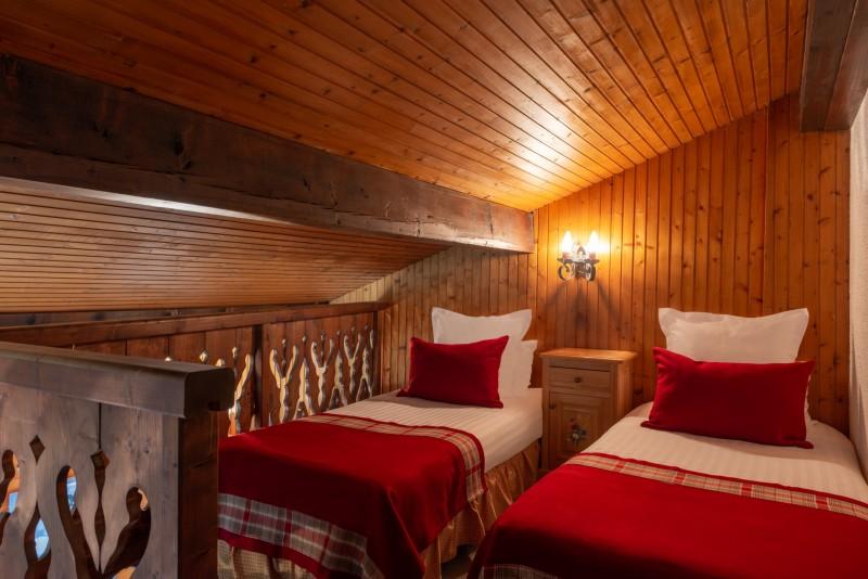 Labrador-3-pieces-mezzanine-6-personnes-mezzanine-lit-simple-location-appartement-chalet-Les-Gets