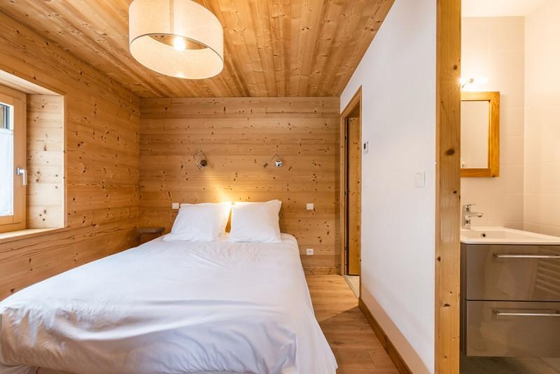 Le-Grand-Pre-chambre-double-location-appartement-chalet-Les-Gets