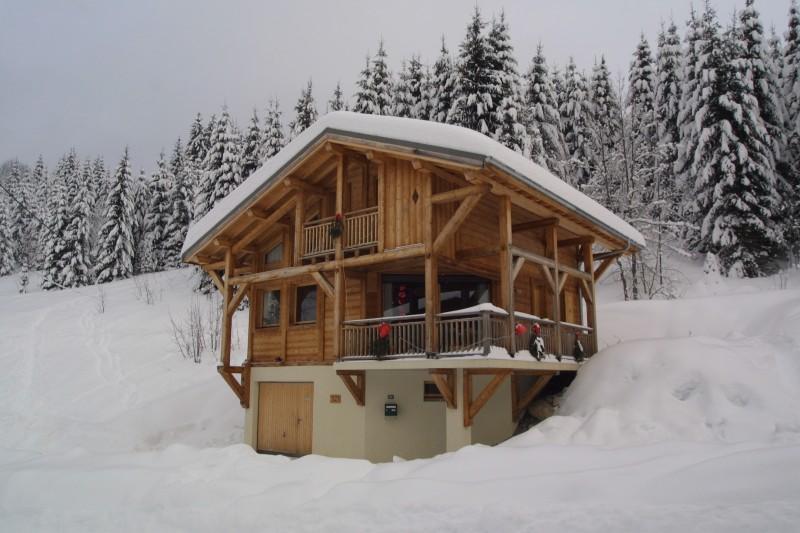 Les-Chouettes-exterieur-hiver-location-appartement-chalet-Les-Gets