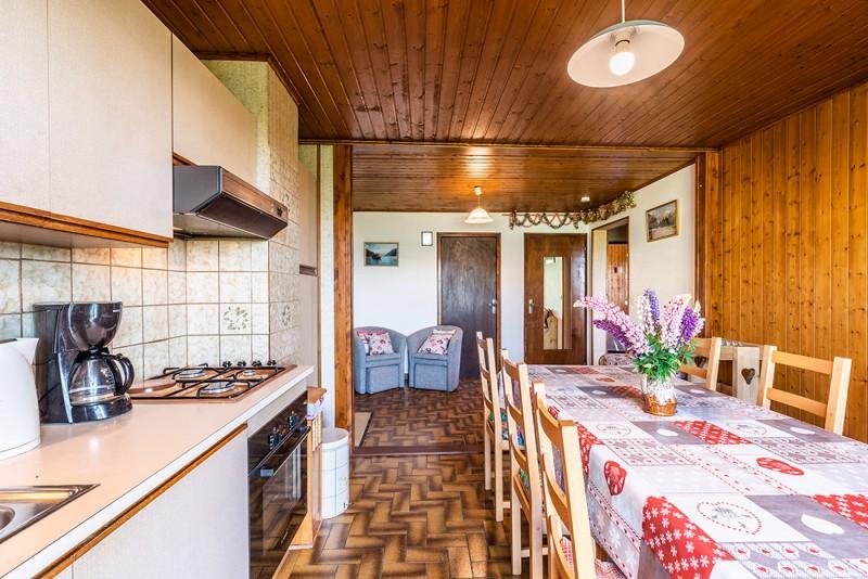 Lou-Kik-Notes-1-cuisine-table-repas-location-appartement-chalet-Les-Gets